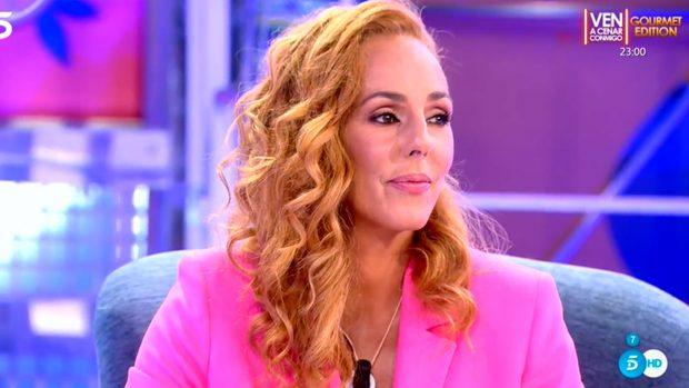 Rocío Carrasco apuesta de nuevo por el color fucsia que le ha hecho ser protagonista durante los últimos meses / Mediaset