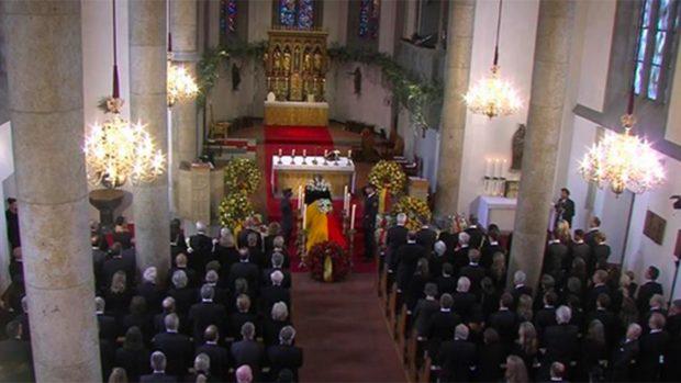 El funeral ha sido celebrado en la intimidad con los familiares y allegados a la Princesa./Volksblatt.it