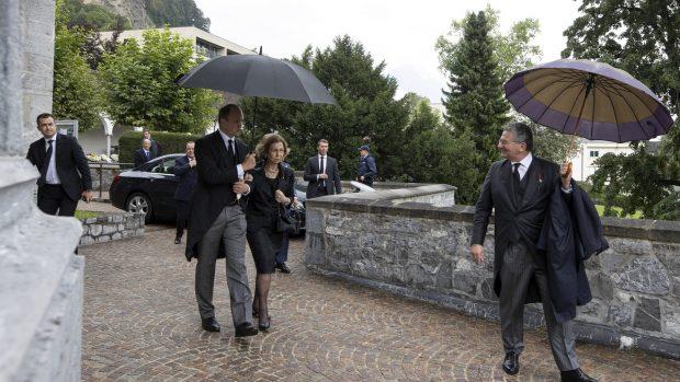 La Reina Sofía en el funeral de Marie de Liechtenstein vestida de riguroso negro./Gtres