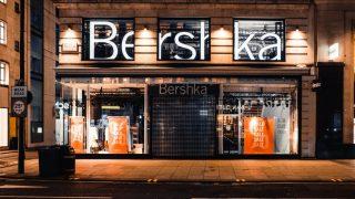 La falda de Bershka que parece de Valentino inspirada en los años 90