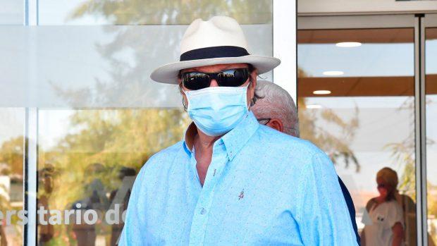 Amador Mohedano, saliendo del hospital / Gtres