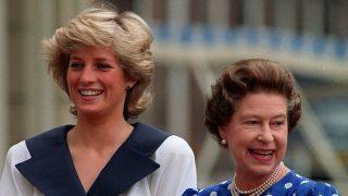 La reina Isabel y Diana de Gales en una imagen de archivo / Gtres