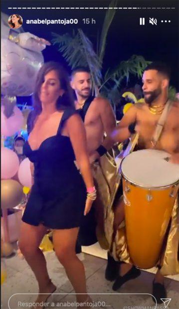 Anabel Pantoja disfrutando de su despedida de soltera./Instagram @anabelpantoja00