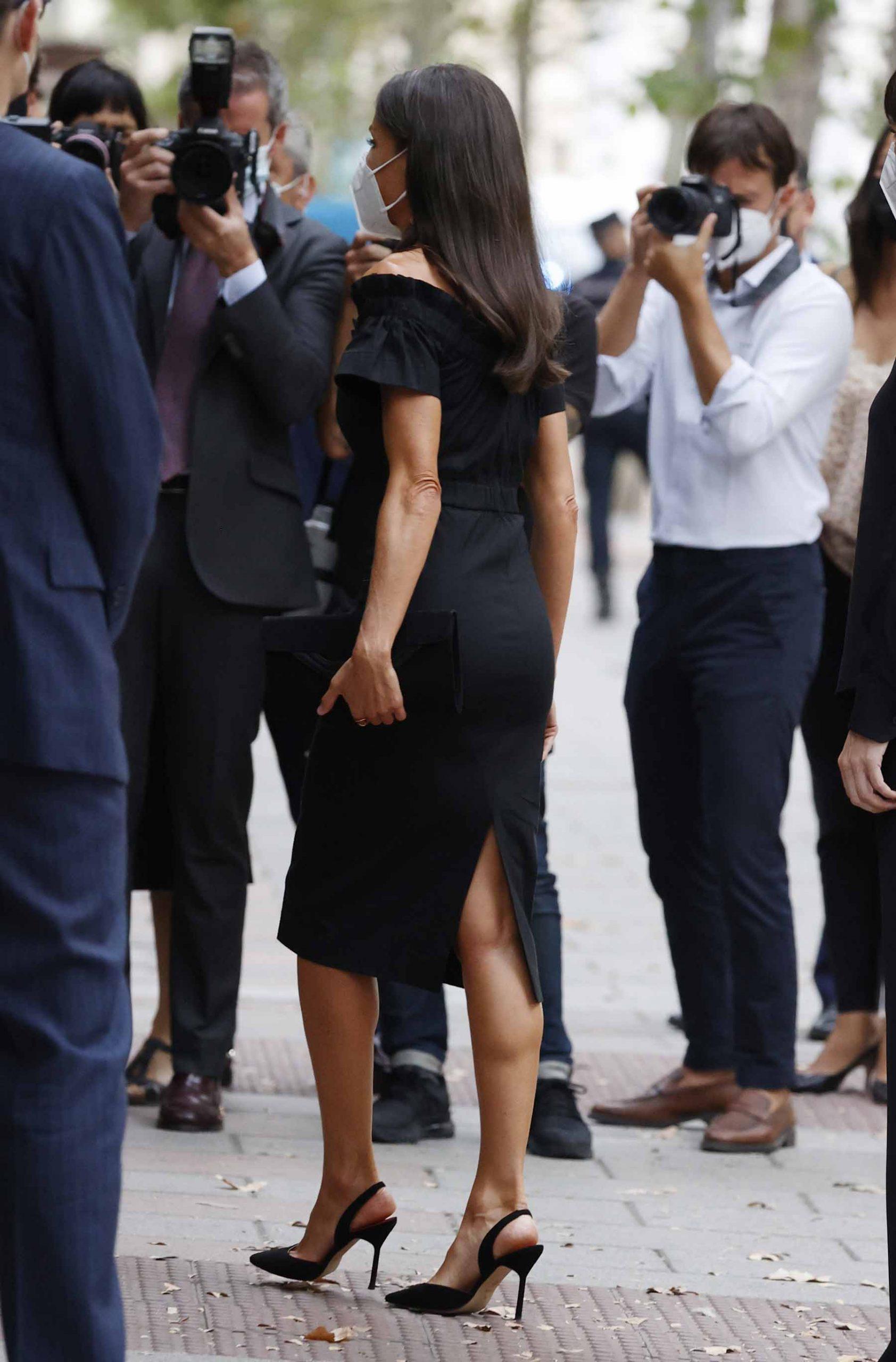 El look de la reina visto desde atrás / GTRES