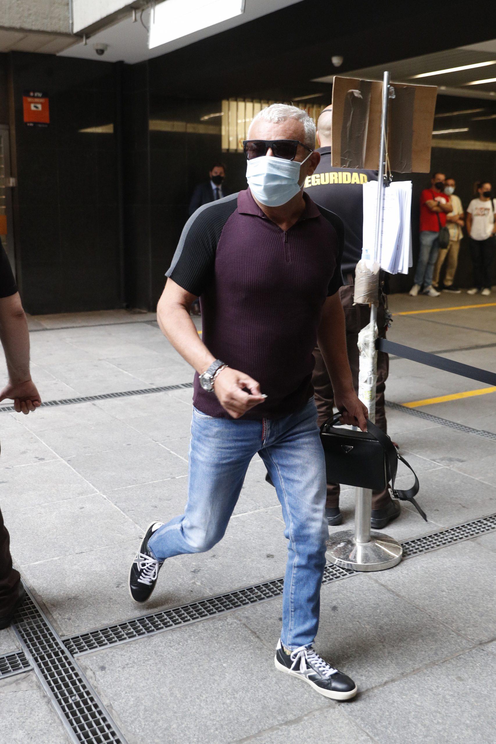 Jorge Javier Vázquez a su llegada a los juzgados / GTRES