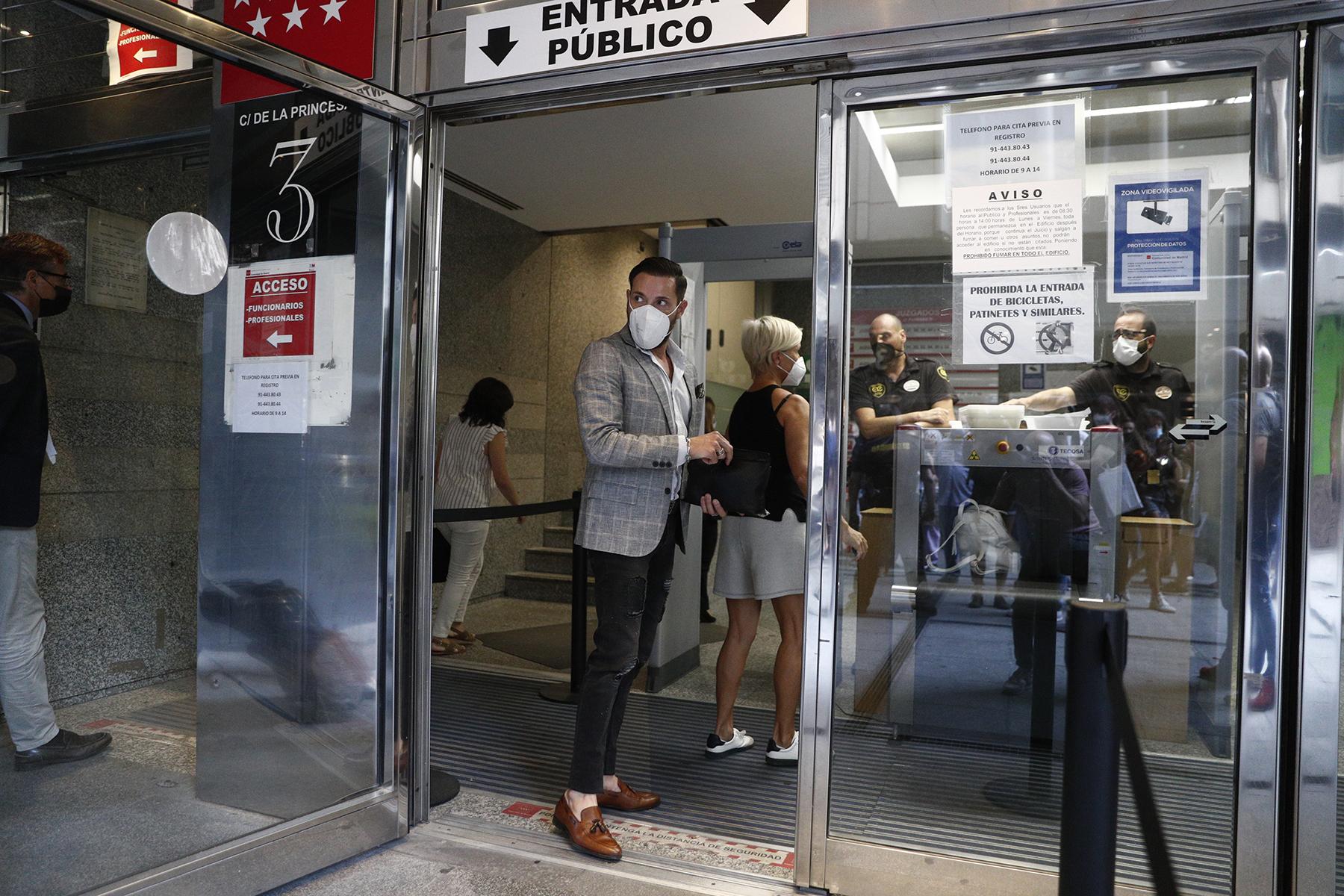 Antonio David Flores a su llegada a los juzgados / GTRES