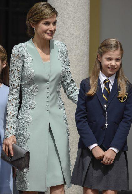 Aliexpress recupera el vestido que lució la reina Letizia en la comunión de doña Sofía