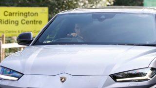 Cristiano Ronaldo, llegando a los entrenamientos con el Manchester United en este flamante Lamborghini / Gtres