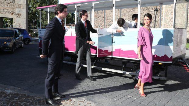 Los invitados han sido trasladados hasta el Palacio de Galiana en un tren turístico./Gtres