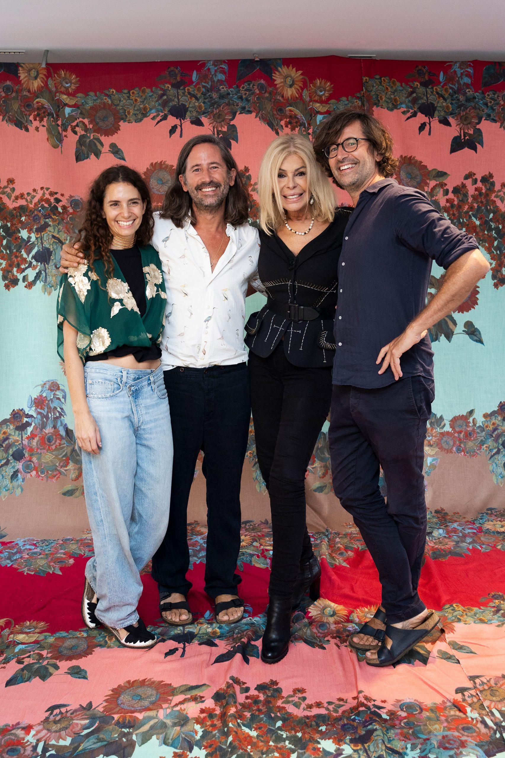 Bibiana Fernández con los creadores de Ailanto tras su última presentación/ Gtres