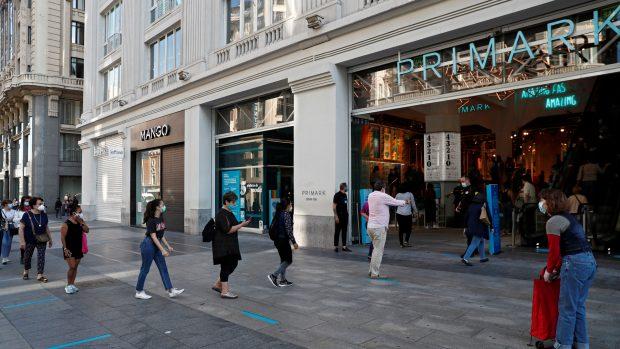 Exterior de una de las tiendas de Primark de Madrid./Gtres