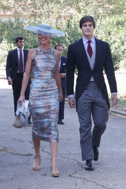 Carlos Fitz-James Stuart y Belén Corsini en la boda de Belén Corsini y Diego Osorio./Gtres