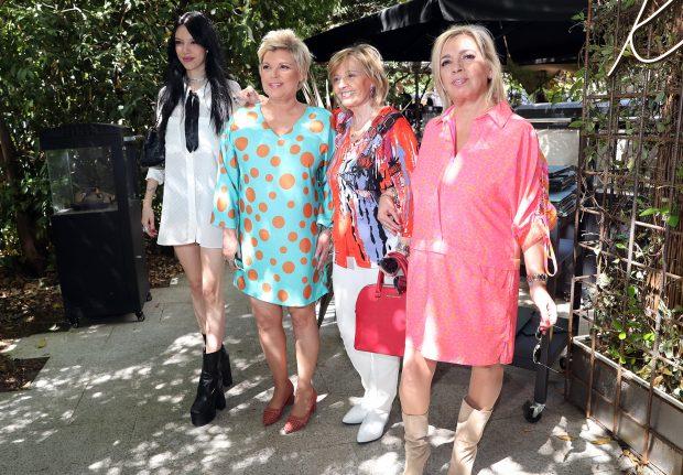 María Teresa Campos, sus hijas y su nieta en una imagen de archivo / GTRES