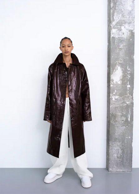 Abrigo de entertiempo de Zara de estilo 'oversize'./Zara