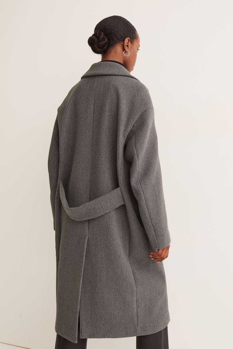 H&M tiene el abrigo que necesitas para este invierno a precio regalado: menos de 40 euros