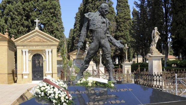 """Tumba del torero Francisco Rivera, Paquirri"""" en el Cementerio de San Fernando, Sevilla. Imagen de archivo./Gtres"""