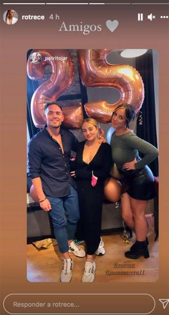 Los amigos de Rocío Flores también han estado presentes en la celebración./Instagram @rotrece