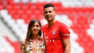 Lucas Hernández y su mujer / Gtres
